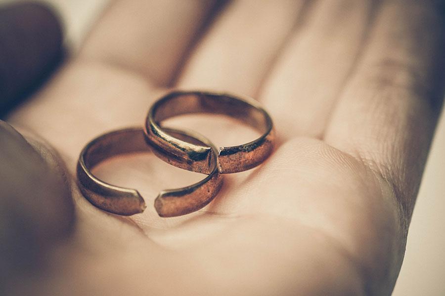 divorce lawyers edmonton
